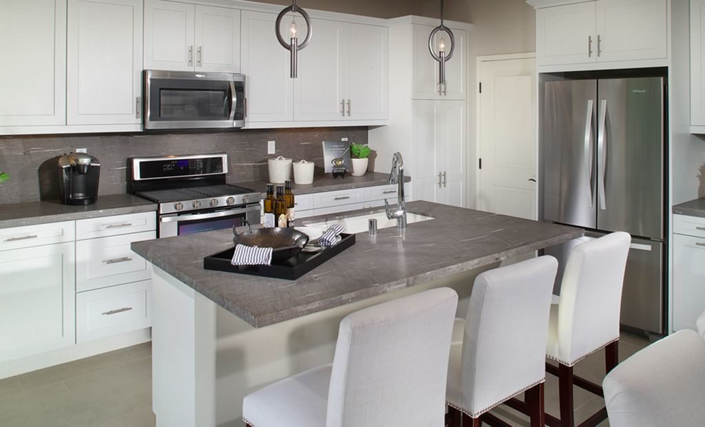 11kitchen-counter-dining-area-1024x620