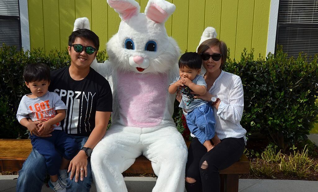 family-portrait-with-easter-bunny-1024x620