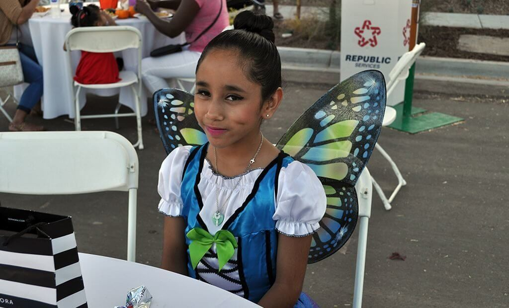 girl-costume-butterfly-1024x620