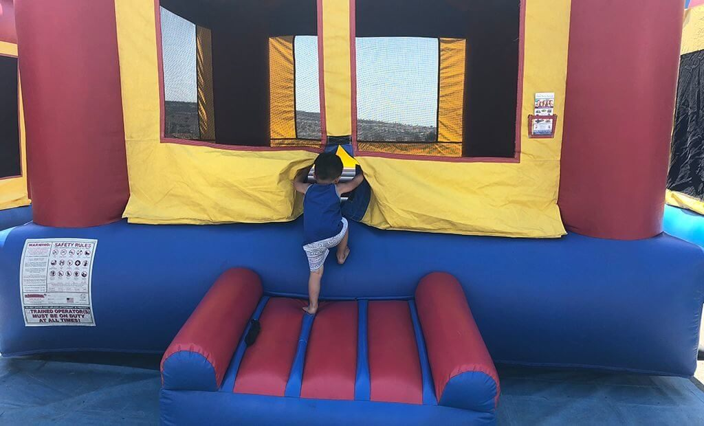 inflatable-bouncy-castle-1024x620