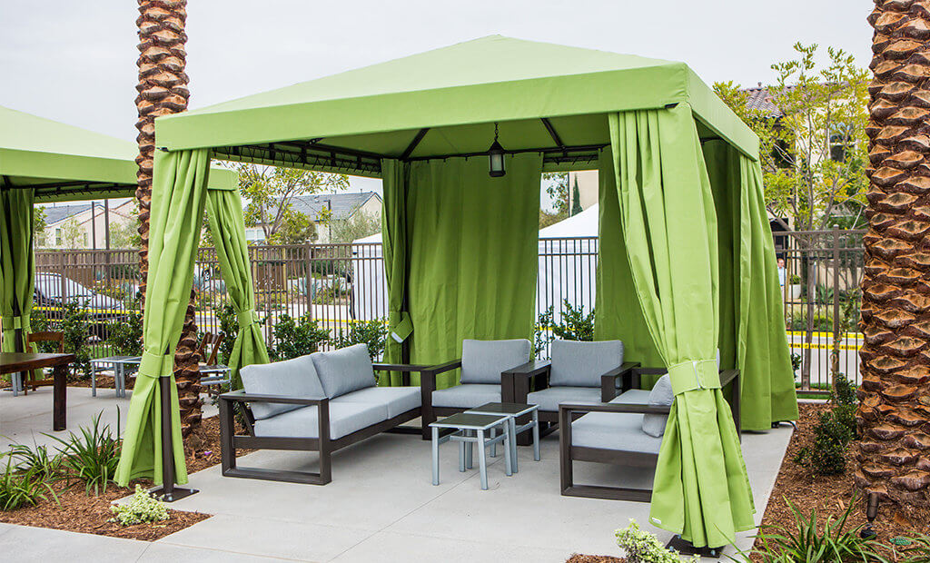 poolside-cabanas-outdoor-lounge-sofas